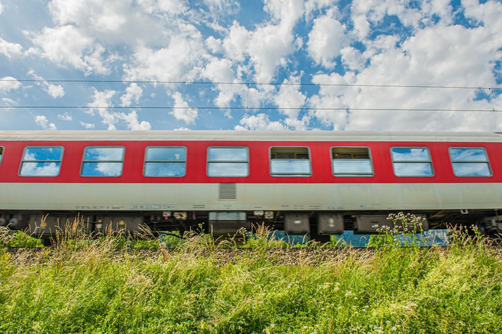 - Fahrzeug Himmel Natur Reisen Stockfoto Wolken Zug