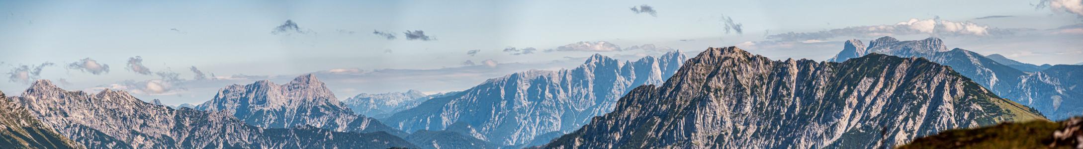 - Alm Almen Berg Bildeigenschaft Bildinhalt Hell Natur Pyhrn Priel Pyhrn-Priel Totes Gebirge Ungesättigt Wurzer Alm Wurzeralm blau