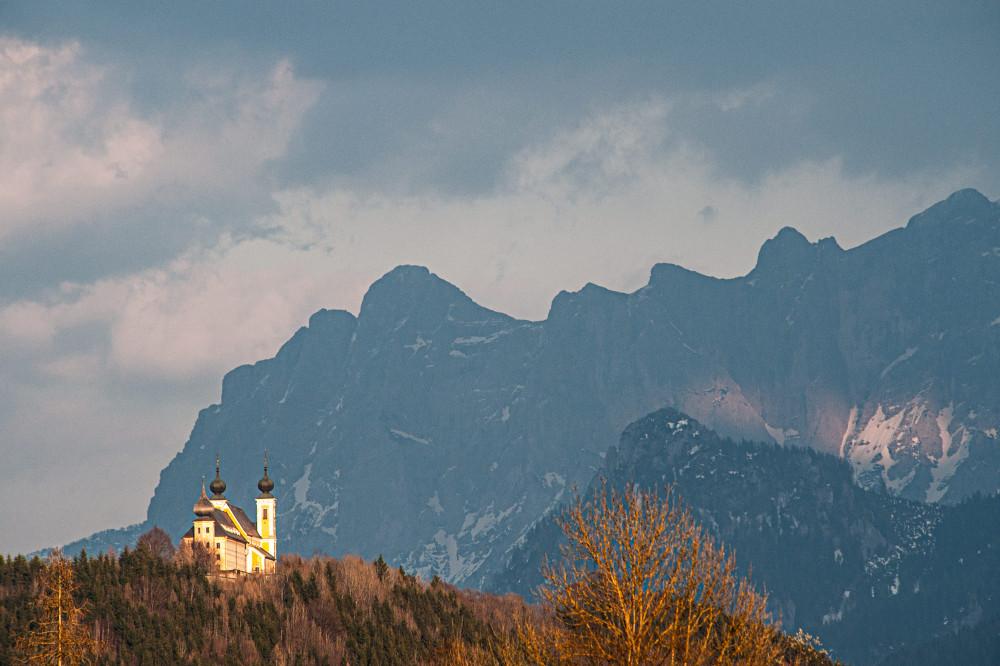- Architektur Ardning Berg Ennstal Europa Frauenberg Gebäude Gesäuse Himmel Hochtorgruppe Kontrastarm Natur Steiermark Turm Wolken Xeis grau Österreich