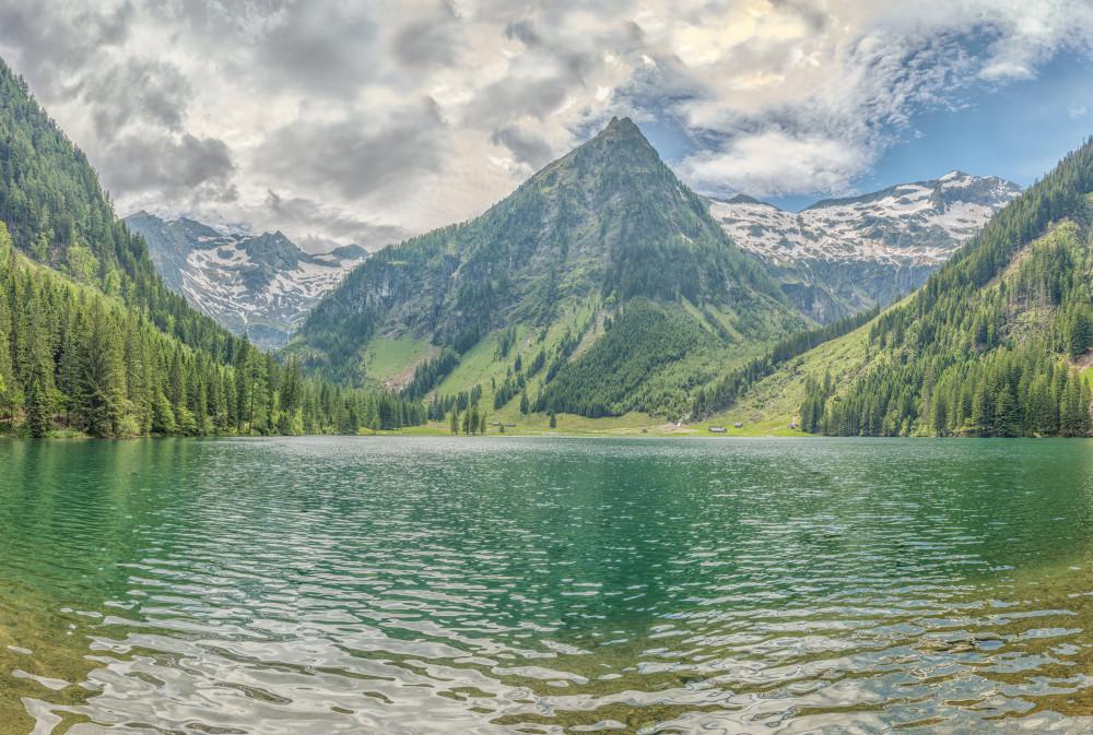 - Berg Europa Gewässer Hochland Kleinsölk Natur Schwarzensee See Steiermark Sölktal Sölktäler Wasser grau Österreich
