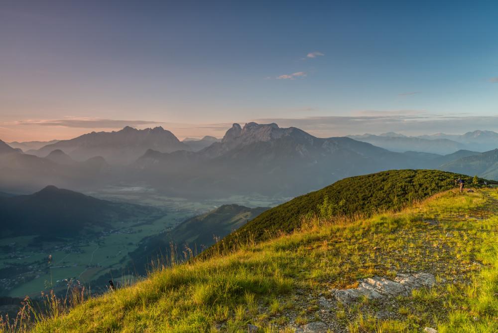 Sonnenaufgang auf der Plesch mit Blick aufs Gesäuse - Berg Highlight Natur Plesch Sommer grau