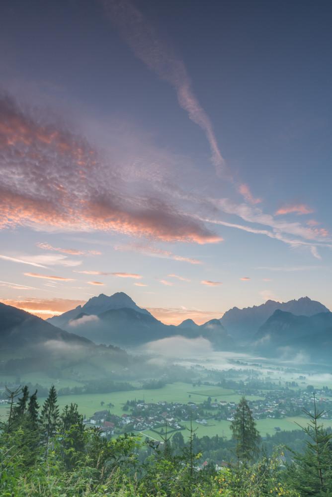 - Berg Buchstein Dunkel Ennstal Europa Gesäuse Himmel Hochformat Leichenberg Natur Steiermark Wolken Xeis grau Österreich