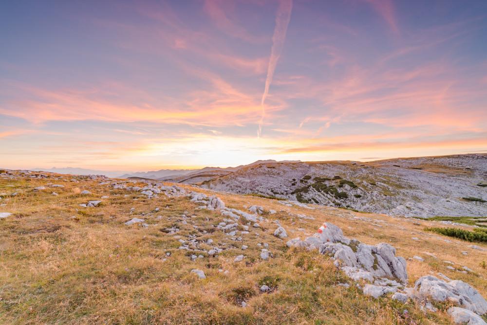 Sonnenuntergang im toten Gebirge - Aipl Alm Almen Angeralm Berg Europa Himmel Hochangern Natur Nazogl Outdoor Sommer Sonne Sonnenuntergang Steiermark Totes Gebirge Wolken braun Österreich