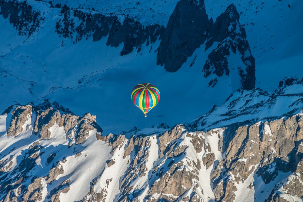 mit dem Heißluftballon über dem Grat der Bischofsmütze - Ballonfahrt Filzmoos Jahreszeit Jahreszeiten Natur Schnee Winter
