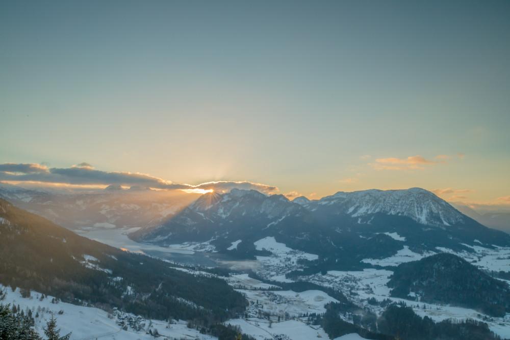 - Altaussee Ausseerland Berg Europa Highlight Himmel Hochland Jahreszeit Jahreszeiten Natur Salzkammergut Schnee Sonnenaufgang Steiermark Tressenstein Winter Wolken braun grau Österreich