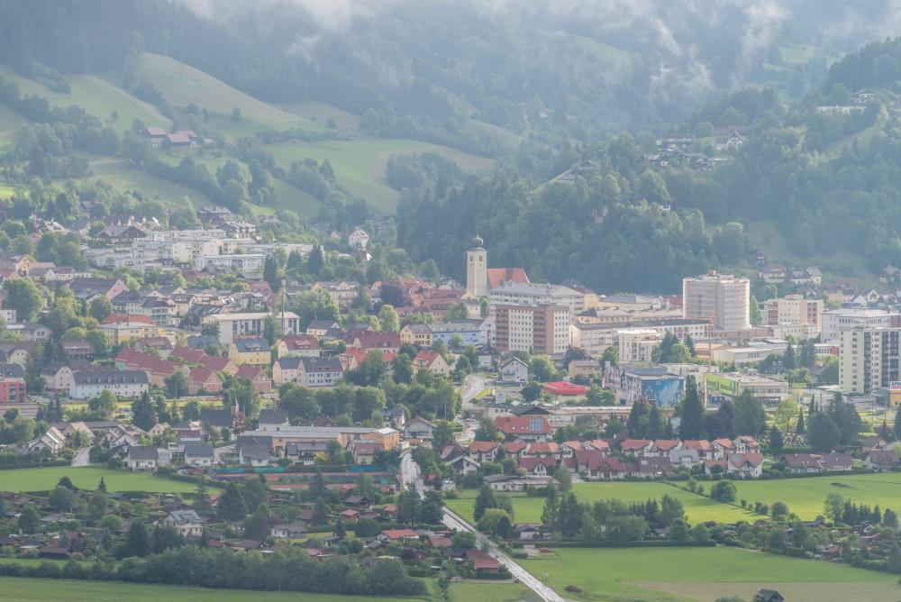 - Architektur Ennstal Europa Gebäude Liezen Luftaufnahme Stadt Stadtaufnahme Steiermark grau Österreich