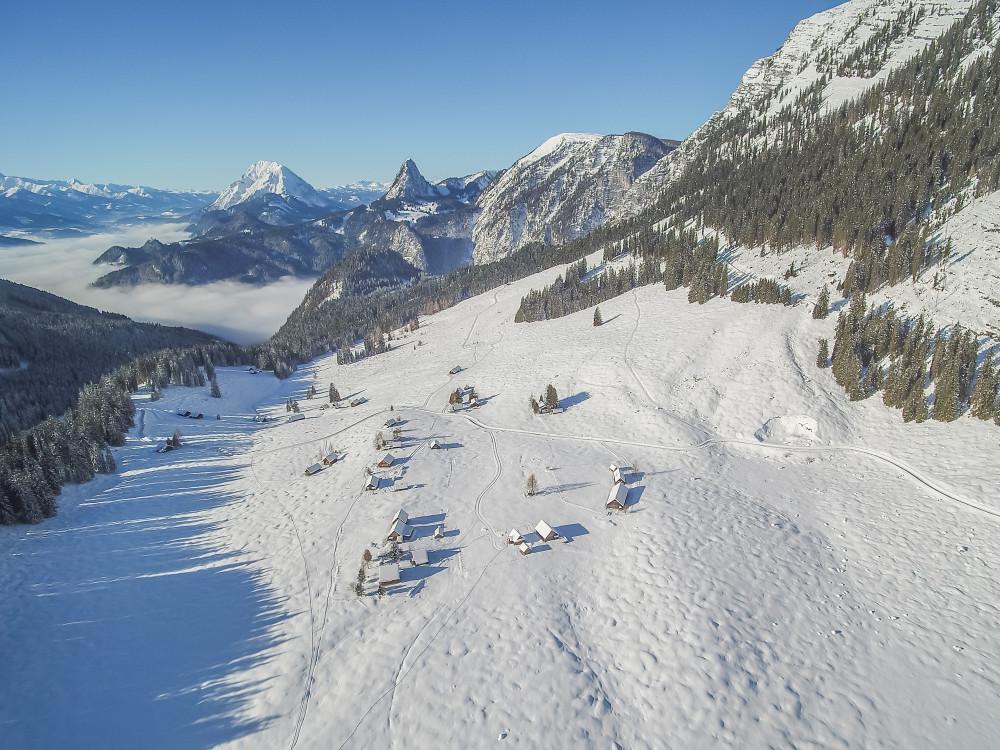 Hinteregger Alm - Alm Almen Berg Bildeigenschaft Highlight Hinteregg Hinteregger Alm Jahreszeit Jahreszeiten Luftaufnahme Luftbild Natur Schnee Ungesättigt Winter Ziegel (Textur)* Draußen grau
