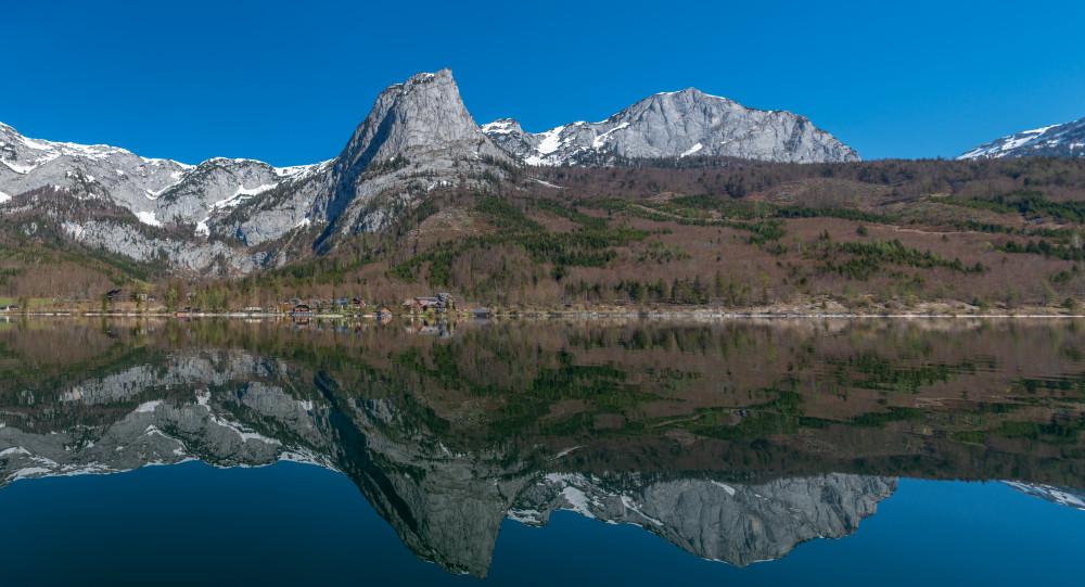- Ausseerland Backenstein Berg Bildinhalt Europa Gewässer Grundlsee Hochland Natur Panorama Salzkammergut See Steiermark Totes Gebirge Wasser grau Österreich