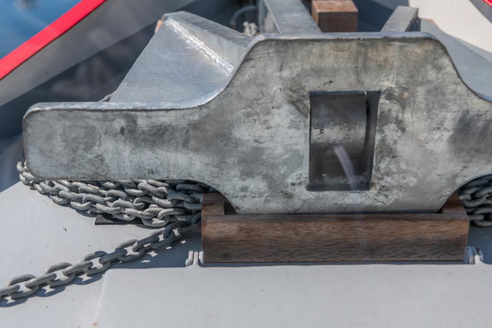 An Bord der MS Rudolf - Anker Ausseerland Boot Europa Fahrzeug Grundlsee MS Rudolf Natur Rudolf Salzkammergut Schiff Schifffahrt Grundlsee See Steiermark Wasserfahrzeug grau Österreich