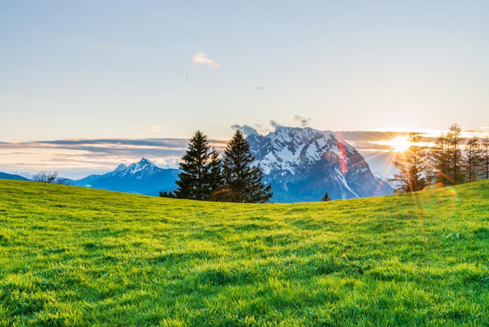 Sonnenuntergang in Vorberg - Berg Der Berg das Tal Ennstal Feld Grimming Highlight Landwirtschaft Natur Sonne Sonnenuntergang Vorberg Wiese