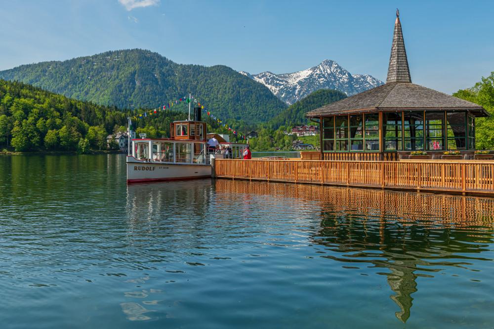 - Ausseerland Bildeigenschaft Bildinhalt Europa Gewässer Grundlsee MS Rudolf Natur Salzkammergut Schifffahrt Grundlsee See Steiermark Ungesättigt Wasser grau Österreich