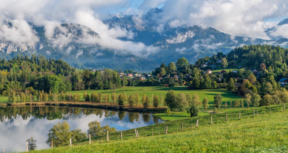 ein herbstlicher Morgen am Putterer See - Aigen im Ennstal Berg Ennstal Europa Feld Gewässer Hochland Hochtausing Landwirtschaft Natur Putterer See See Steiermark Tausing Österreich