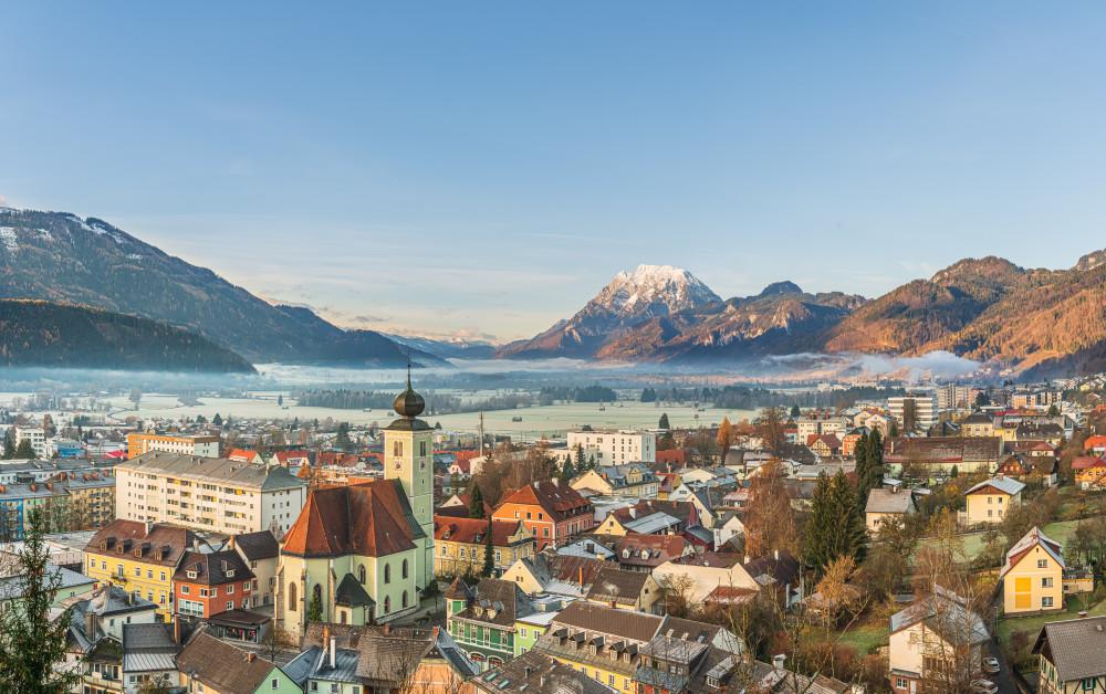 - Berg Bildinhalt Draußen Ennstal Europa Fotografie Highlight Kontrastreich Liezen Luftaufnahme Natur Ort Stadt Stadtaufnahme Steiermark grau Österreich