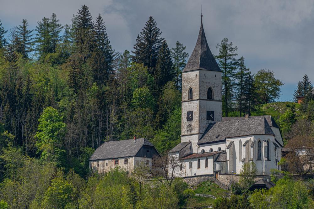 Kirche von Pürgg - Architektur Baum Ennstal Europa Gebäude Haus Holz Kirche Kripperl der Steiermark Natur Pflanze Pürgg Religion Steiermark Wald Österreich
