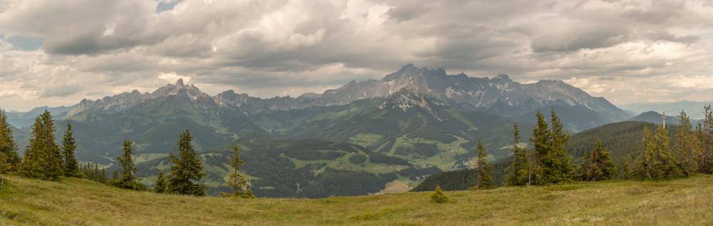 - Berg Bischofsmütze Dachstein Dachsteinsüdwd Ennstal Europa Filzmoos Gosaukamm Hochland Natur Panorama Pongau Radstadt Rossbrand Roßbrand Salzburg Schladming Steiermark Österreich