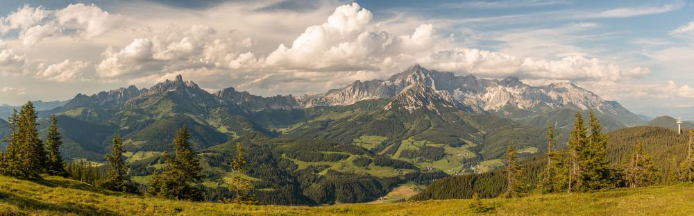 - Berg Bischofsmütze Dachstein Dachsteinsüdwd Ennstal Europa Filzmoos Gosaukamm Hell Natur Panorama Pongau Radstadt Rossbrand Roßbrand Salzburg Schladming Steiermark Österreich
