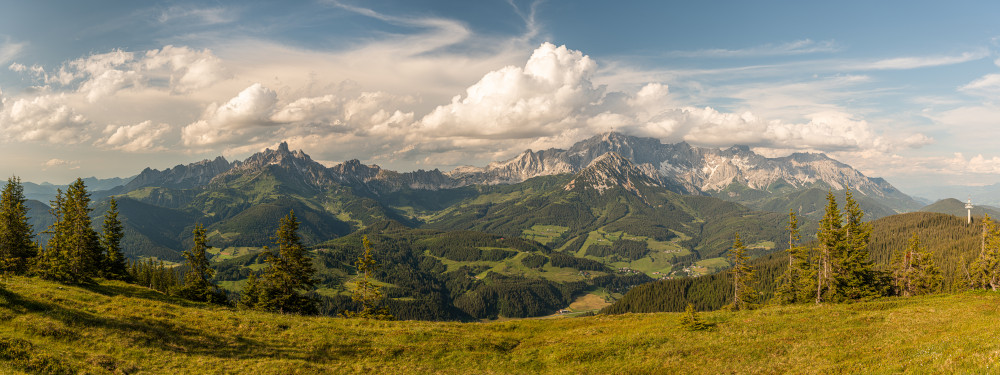 - Berg Bischofsmütze Dachstein Dachsteinsüdwd Ennstal Europa Filzmoos Gosaukamm Natur Panorama Pongau Radstadt Rossbrand Roßbrand Salzburg Schladming Steiermark Wiese Österreich
