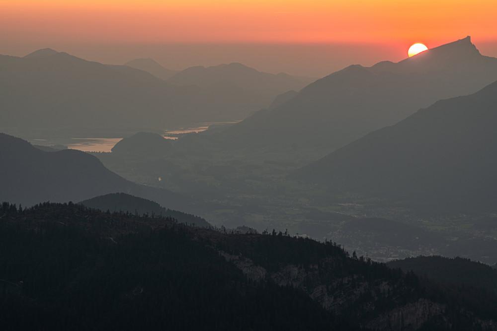 Die Sonne geht an der Silhouette des Schafbergs unter - Ausseerland Berg Europa Himmel Loser Natur Romantisch Salzkammergut Silhouette Sonnenuntergang Steiermark Österreich